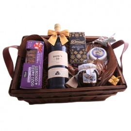 Dows 10 Porto and Sweets Basket