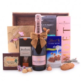 Moet and Chandon Rose Imperial Champagne and Chocolate Gift