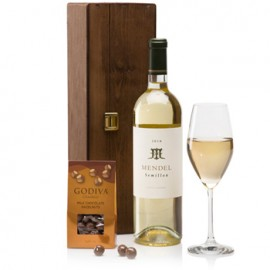 White Wine and Chocolates Indulgence Gift Box Special